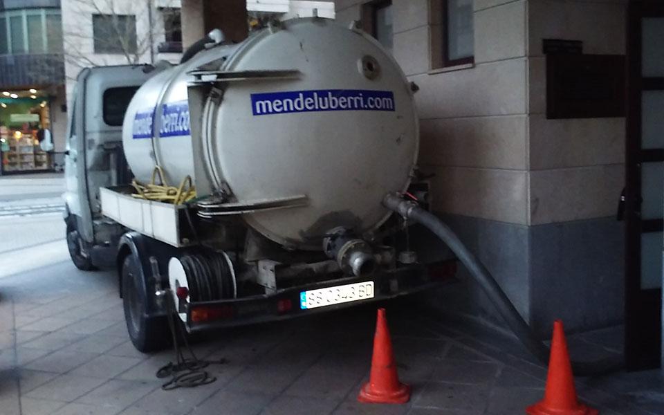 Desatascos en Gipuzkoa, Donostia, Irun, Tolosa, Beasain, Zarautz, limpiezas fosas sépticas y bombeos. 609-449962